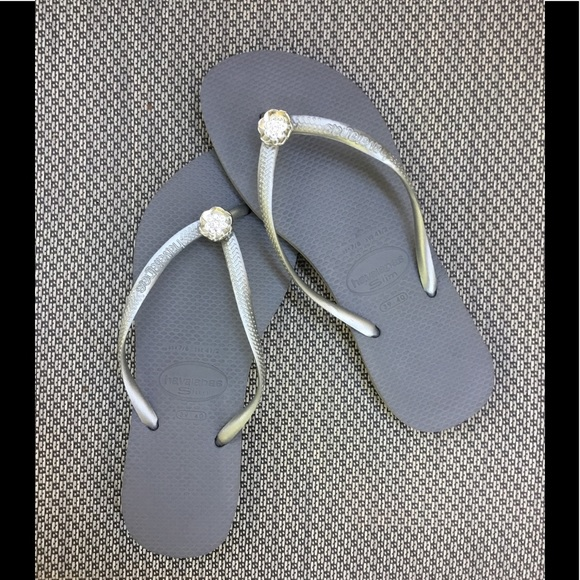Havaianas Women`s Flip Flops Slim Style Sandal Steel Grey with Silver NWT